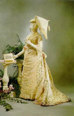 1875 afternoon dress.jpg (35552 bytes)