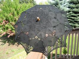 parasolblack1a.JPG (85773 bytes)