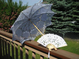 parasolwhite2a.JPG (73903 bytes)